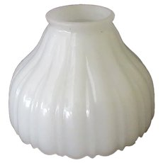Vintage Light Shade – Single Milk Glass with Decorative Edge