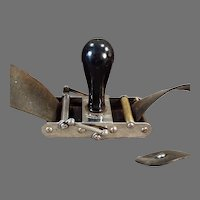 Antique Rundel Automatic Stropper - Wedge Razor Blade Sharpener