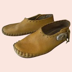 Men's Vintage Moccasin Shoes – Hand Stitched Leather with Antler Buttons