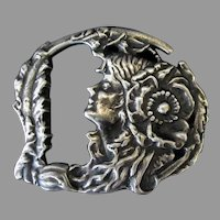 Vintage Art Nouveau Belt Buckle with Attractive Image – Silver Colored Cast Metal