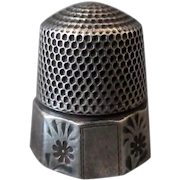 Vintage Goldsmith Stern Sterling Silver Thimble - Size 10 with Alternating Floral Panel