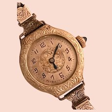 Art Deco Fancy Wristwatch with Mesh Buckle Band -Running