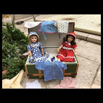 Bleuettes sisters in her original trunk with GL outfits