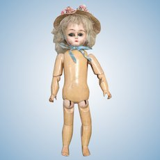 Very rare all wooden doll of 10,8 inches tall