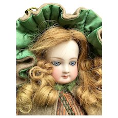 Wonderfull and rare Lavallée peronne French fashion doll