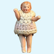 Small mignonette doll of  1,2 inches tall