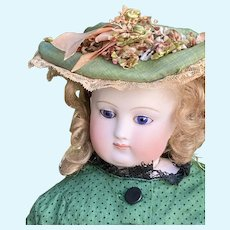 Rare bru Fashion bisque doll with crying systèm 17 inches tall