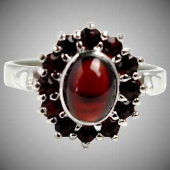 Vintage 1990s 2.06 Carat Garnet Faceted and Carbuncle Cabochon and Sterling Silver Cluster Halo Ring Size 9.25