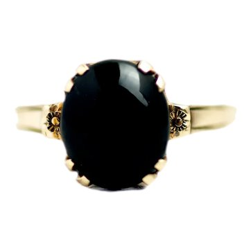 Antique 1910s Black Nephrite Jade Cabochon and 10K Yellow Gold Forget-Me-Not Flower Solitaire Ring Size 6