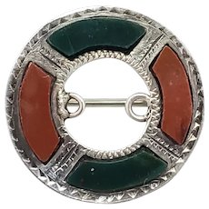 Antique 1900s Victorian Chester Scottish Pebble Jewelry Jasper, Bloodstone, and Sterling Silver Circle Pin Brooch