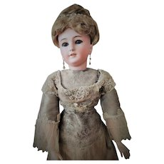 Stunning Antique Simon & Halbig German Lady Doll mold 1159