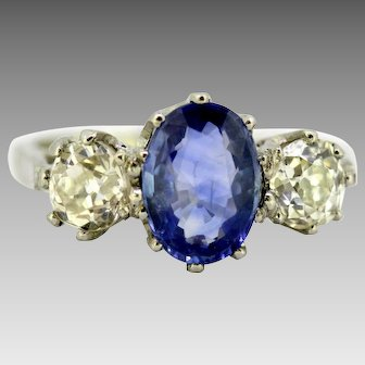 Art Deco Platinum Ladies Ring with Ceylon Sapphire and Diamonds, circa 1920s