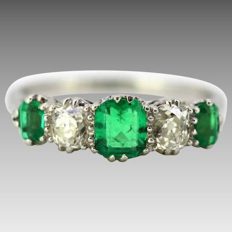 Art Deco Platinum Ladies Ring with Emerald and Old Cut Diamonds, circa 1920s