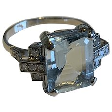 Aquamarine and Diamond 18k Gold Dress Ring