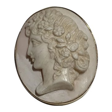Antique Conch Shell Gold Cameo
