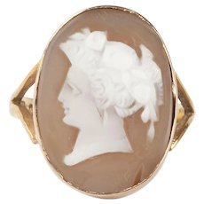 A Victorian Cameo Ring