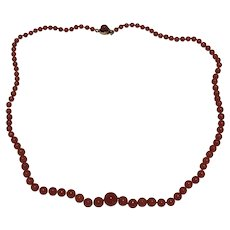 An Art Deco Natural Coral Beaded Necklace