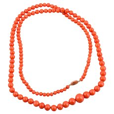 A Natural Coral and 18K Gold Necklace