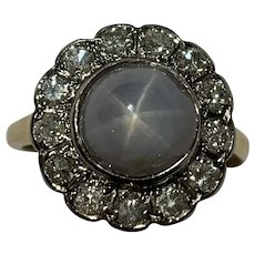 A Star Sapphire and Diamond Vintage 18k Gold Ring