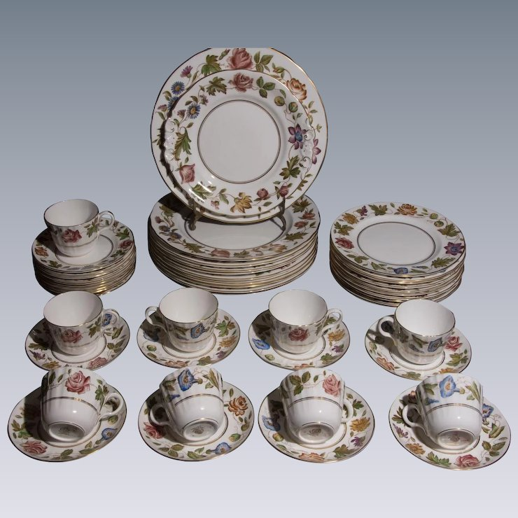 Royal Worcester Bone China Dinnerware - Virginia Pattern - 40 pieces - Mint Condition & Royal Worcester Bone China Dinnerware - Virginia Pattern - 40 pieces ...