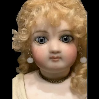 Beautiful!  French  Fashion doll