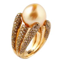 Gold ring with gold sugarloaf pearl and diamonds