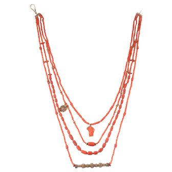 Vintage coral and gold 18k necklace