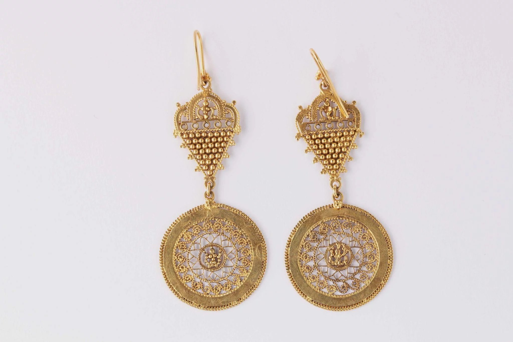 and logo logos jewelry cc pin vintage earrings chanel gold