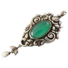 Original Antique Art Nouveau Jugendstil Green Agate 800 Silver Pendant Roses Pearl, ca. 1900-1920