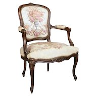 18th Century Carved French Beech Wood Louis XIV Fauteuil with Floral Tapestry