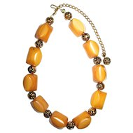 Vintage Bakelite Necklace in Butterscotch