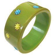 Bakelite Bangle with Flowers Laugh-In Style
