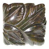 Beautiful Small Size Floral Carved Green Marbled Bakelite Ring