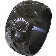 Wide Beautifully Carved Changer Bakelite Bangle Bracelet