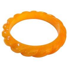 Butterscotch Yellow Rope Carved Bakelite Bangle Bracelet