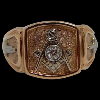 14k Yellow Gold Masonic Ring With Diamond Center Emblem Size 12