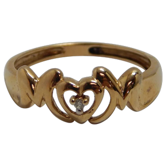 """10k Yellow Gold """"MOM"""" Ring Size 7.25"""