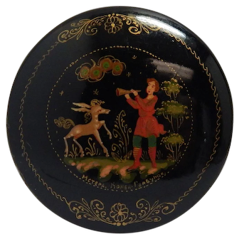 Russian Folk Art Hand Painted Lacquered Brooch Pin