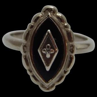 10k White Gold Black Onyx & Diamond Ring Size 3.75