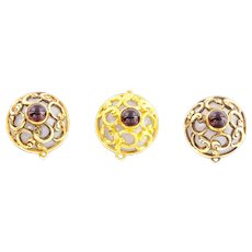 Antique 15ct Gold Dress Studs with Agate and Garnet