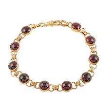 "9ct Gold Garnet Cabochon Bracelet, (17.00ct) 8 & 1/8"""