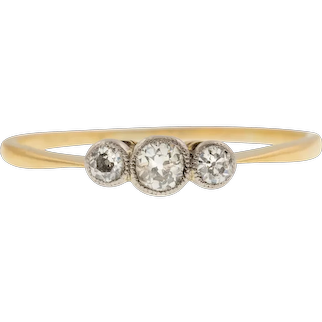 18ct Gold Art Deco Diamond Trilogy Ring, (0.20ct)