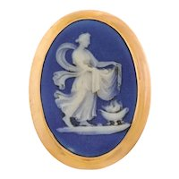 9ct Gold Wedgwood Blue Porcelain Cameo Brooch