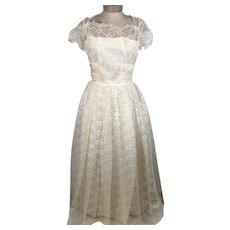 50s  Sylvia Ann Ivory  Tulle Lace Wedding Dress w Veil