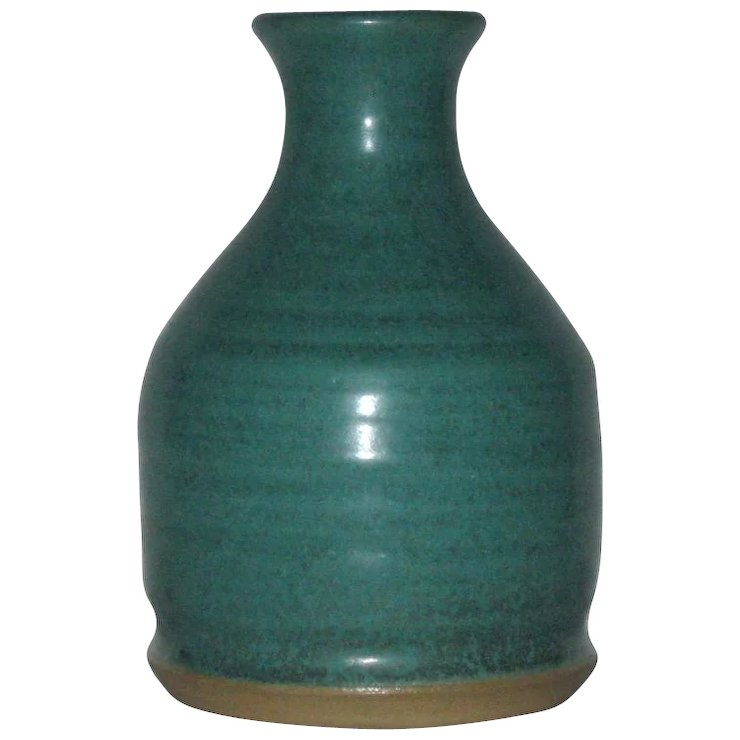 Mid Century Artist Signed Matte Green Art Pottery Vase The Knic
