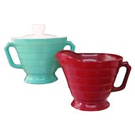 Hazel Atlas Cream & Sugar Set with Lid, Green & Red