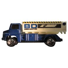 Hot Wheels Tipping Lorry or Dump Truck