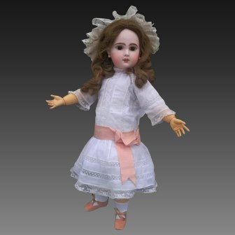 Very nice French jumeau doll. end of 1800's , high about 23 inches ( 56 cm )