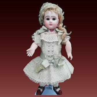 "Stunning Antique  J. Steiner Doll , Figure ""A"" , 10,5"" (about 27cm) , all original"