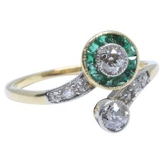"""Antique Diamond and Emerald """"Toi-et-Moi"""" Ring, Edwardian, around 1910"""